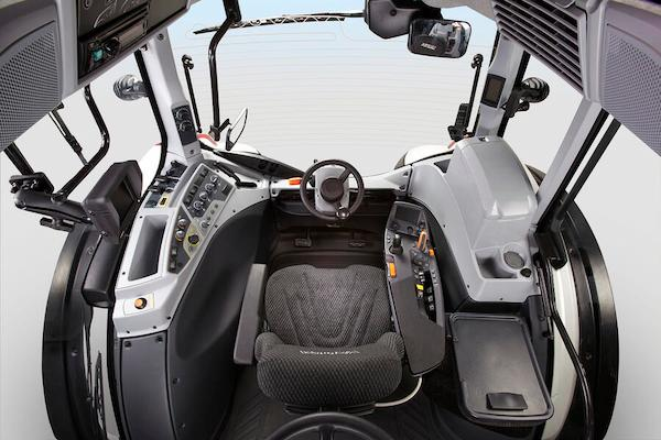 Valtra_T214_Direct_with_TwinTrac_cabin