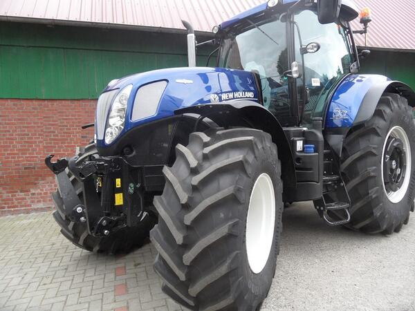 Tracteur New Holland CNH