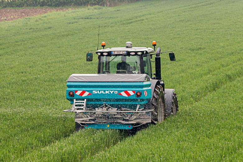 sulky-burel-X40-epandeur-engrais-distributeur-semoir-agricole-fertilisation-materiel