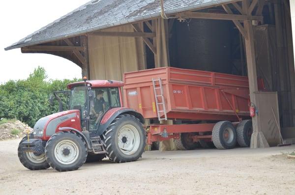 tracteur-avec-benne